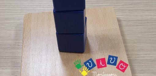 3 cubi da infilare su piolo verticale